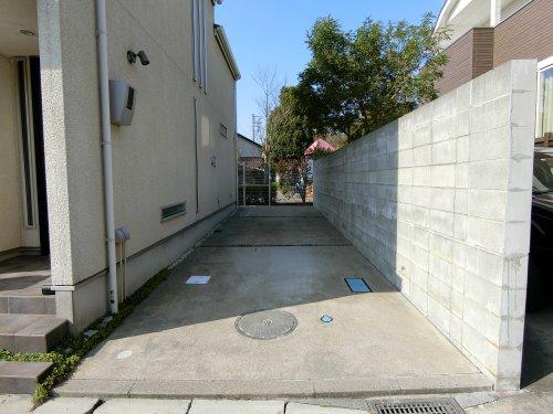 駐車スペース2台駐車可能です!